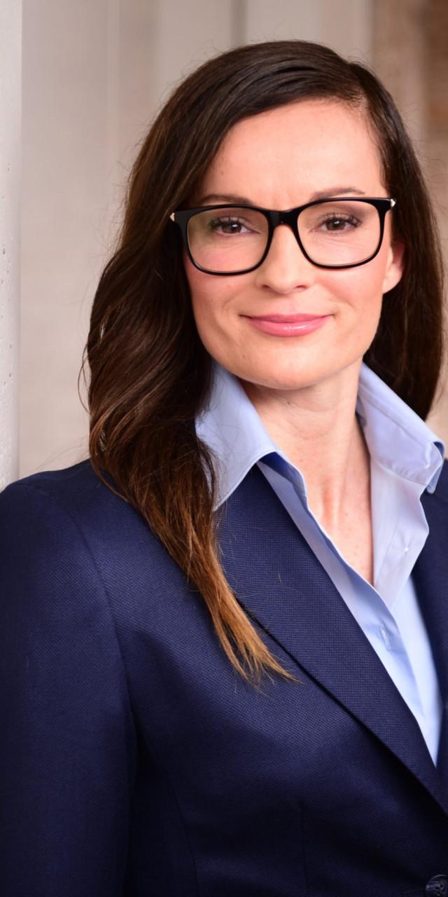 Dr. Melanie Peschmann